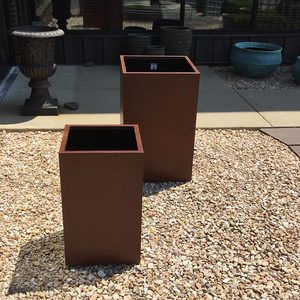 STEEL TALL CUBE PLANTERS - SET OF 2