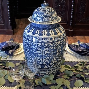 LARGE BLUE AND WHITE FLORAL TEMPLE JAR
