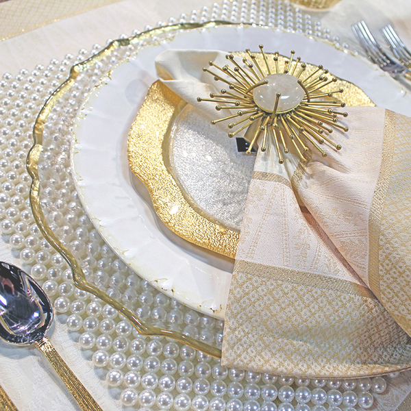 PEARLED PLACEMAT DETAIL