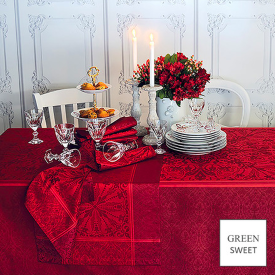 "Cassandre Grenat Tablecloth 68""x119"""