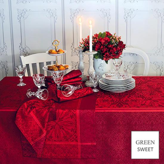 "Cassandre Grenat Tablecloth 68""x68"""